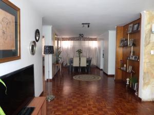 Apartamento En Venta En Caracas - Los Palos Grandes Código FLEX: 15-4495 No.15