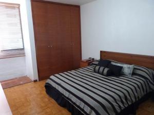 Apartamento En Venta En Caracas - Los Palos Grandes Código FLEX: 15-4495 No.16