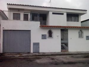 Casa En Ventaen San Antonio De Los Altos, Los Castores, Venezuela, VE RAH: 15-4280