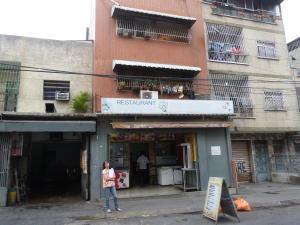 Edificio En Ventaen Caracas, Catia, Venezuela, VE RAH: 15-4765