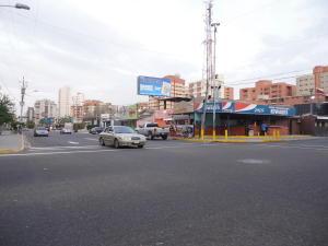 Local Comercial En Venta En Maracaibo, Calle 72, Venezuela, VE RAH: 15-4807