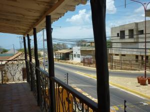 Casa En Venta En Punto Fijo, Los Taques, Venezuela, VE RAH: 15-4813
