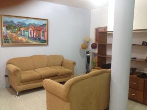 Townhouse En Venta En Ciudad Ojeda, Campo Elias, Venezuela, VE RAH: 15-4866