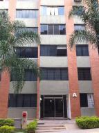 Apartamento En Ventaen Caracas, Lomas Del Sol, Venezuela, VE RAH: 14-13195