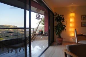 Apartamento En Venta En Caracas, Oripoto, Venezuela, VE RAH: 15-4888