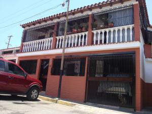 Casa En Venta En Guatire, La Rosa, Venezuela, VE RAH: 15-4879