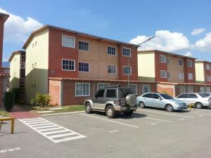 Apartamento En Ventaen Guatire, Alto Grande, Venezuela, VE RAH: 15-4896