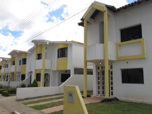 Townhouse En Venta En Ciudad Bolivar, Agua Salada, Venezuela, VE RAH: 15-4954
