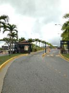 Terreno En Venta En Caracas, Loma Linda, Venezuela, VE RAH: 15-4984