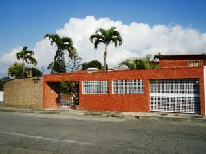 Casa En Venta En Caracas, Cumbres De Curumo, Venezuela, VE RAH: 15-5142