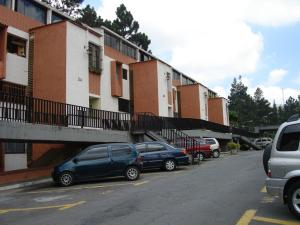 Apartamento En Venta En San Antonio De Los Altos, Los Salias, Venezuela, VE RAH: 15-5362
