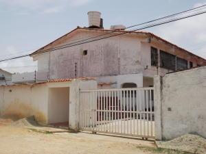 Apartamento En Venta En Chichiriviche, Malecon, Venezuela, VE RAH: 15-5953