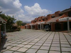 Townhouse En Venta En Valencia, Trigal Norte, Venezuela, VE RAH: 15-5597