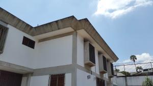 Casa En Venta En Caracas, Colinas De Bello Monte, Venezuela, VE RAH: 15-5541