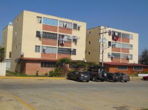Apartamento En Venta En Santa Teresa, La Raiza, Venezuela, VE RAH: 15-5710