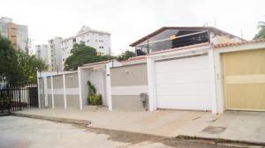 Casa En Venta En Valencia, Trigal Centro, Venezuela, VE RAH: 15-5548