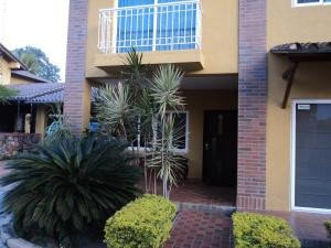 Casa En Venta En Municipio San Diego, La Cumaca, Venezuela, VE RAH: 15-5594