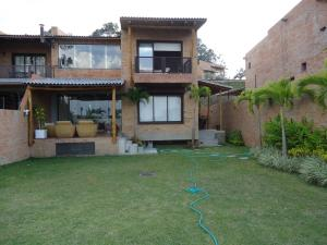 Casa En Venta En Caracas, Alto Hatillo, Venezuela, VE RAH: 15-5720