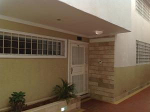 Townhouse En Venta En Maracaibo, La Estrella, Venezuela, VE RAH: 15-6059