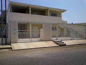 Oficina En Alquiler En Santa Rita, Via Principal, Venezuela, VE RAH: 15-6288