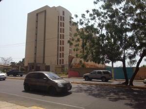 Apartamento En Venta En Maracaibo, El Milagro, Venezuela, VE RAH: 15-6418