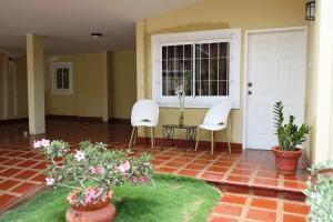 Casa En Venta En Maracaibo, Doral Norte, Venezuela, VE RAH: 15-6436