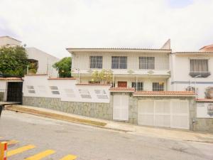 Casa En Venta En Caracas, Colinas De La California, Venezuela, VE RAH: 15-5324