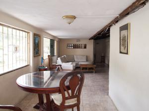 Casa En Ventaen Valera, El Country, Venezuela, VE RAH: 15-6539