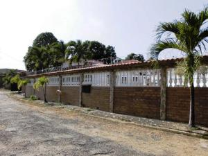 Casa En Venta En Tacarigua, Tacarigua, Venezuela, VE RAH: 15-6760