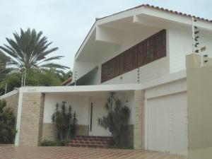 Casa En Venta En Maracaibo, La Lago, Venezuela, VE RAH: 15-6847