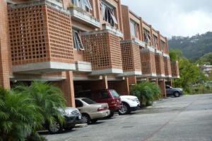 Townhouse En Venta En Caracas, El Hatillo, Venezuela, VE RAH: 15-6952
