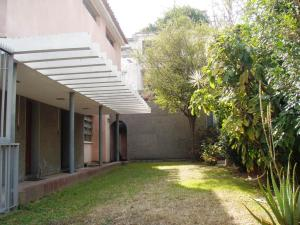 Casa En Venta En Caracas, Las Palmas, Venezuela, VE RAH: 15-6983