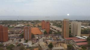 Apartamento En Venta En Maracaibo, Banco Mara, Venezuela, VE RAH: 15-7021