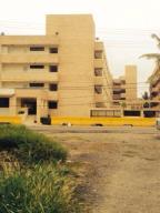 Terreno En Venta En Tucacas, Tucacas, Venezuela, VE RAH: 15-7098