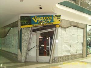 Local Comercial En Venta En Maracay, Zona Centro, Venezuela, VE RAH: 15-7129