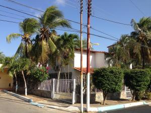 Casa En Venta En Municipio Garcia El Valle, El Valle Del Espiritu Santo, Venezuela, VE RAH: 15-7200