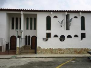 Townhouse En Venta En Higuerote, Puerto Encantado, Venezuela, VE RAH: 15-7498