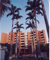 Apartamento En Venta En Caracas, Santa Eduvigis, Venezuela, VE RAH: 15-7466