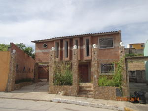 Casa En Venta En Charallave, Colinas De Betania, Venezuela, VE RAH: 15-7477