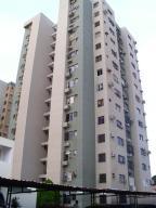 Apartamento En Venta En Maracaibo, Fuerzas Armadas, Venezuela, VE RAH: 15-7599