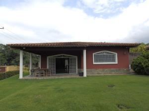 Casa En Venta En Valencia, Guataparo, Venezuela, VE RAH: 15-7697