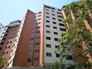 Apartamento En Venta En Valencia, El Bosque, Venezuela, VE RAH: 15-7713