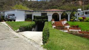 Casa En Venta En Caracas, Cumbres De Curumo, Venezuela, VE RAH: 15-7735