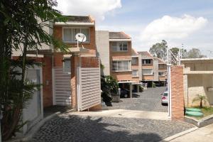 Townhouse En Venta En Caracas, Lomas De La Lagunita, Venezuela, VE RAH: 15-7824