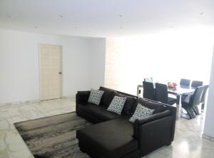 Apartamento En Venta En Caracas - Prado Humboldt Código FLEX: 15-7993 No.1
