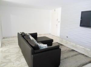Apartamento En Venta En Caracas - Prado Humboldt Código FLEX: 15-7993 No.3
