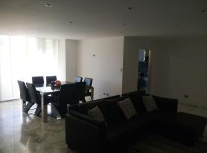 Apartamento En Venta En Caracas - Prado Humboldt Código FLEX: 15-7993 No.5