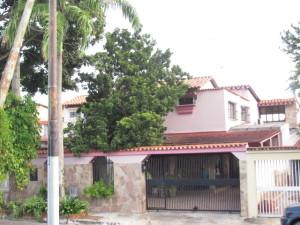 Casa En Venta En Municipio Naguanagua, Carialinda, Venezuela, VE RAH: 15-8265