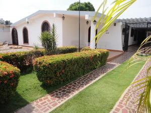 Casa En Venta En Maracaibo, Los Olivos, Venezuela, VE RAH: 15-8087