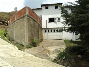 Casa En Venta En El Junquito-Vargas, La Niebla, Venezuela, VE RAH: 15-8124